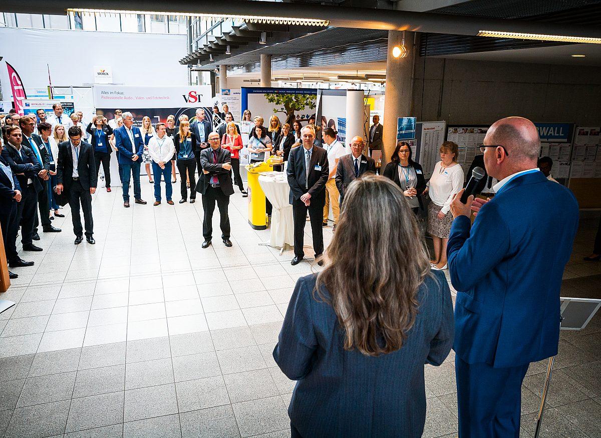 Jobmesse comeback Begrüßung Aussteller Copyright: LEG Thüringen/Thomas Abe