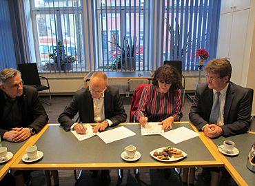 Unterzeichnung Kooperation IT