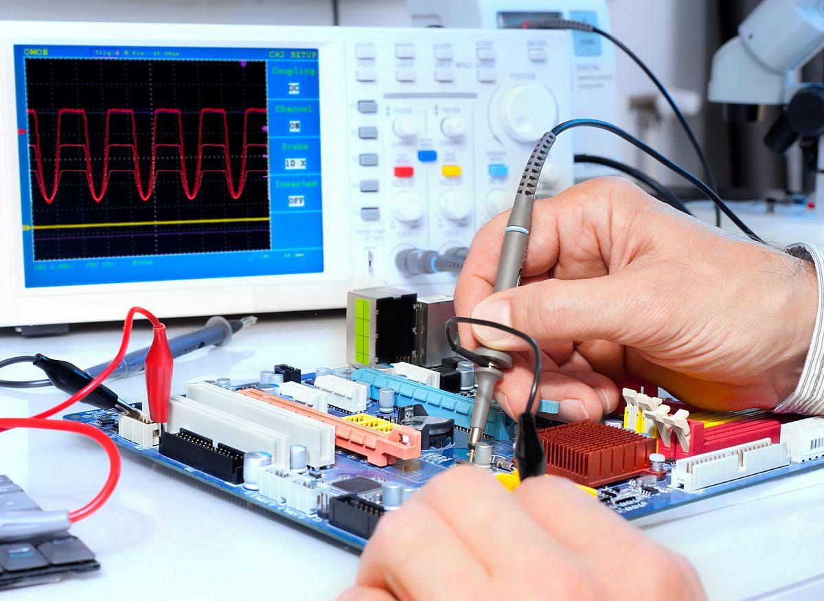 Elektrotechnik Elektronik Optik Copyright: Shutterstock/Anyaivanova